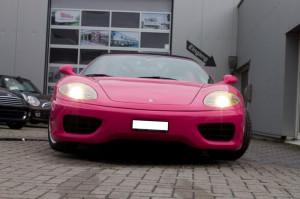Vollfolierung Ferrari pink