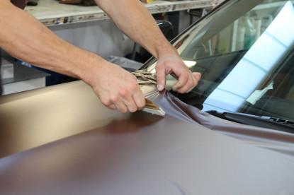 Autofolierung Folienbeschichtung mattbraun braun matt